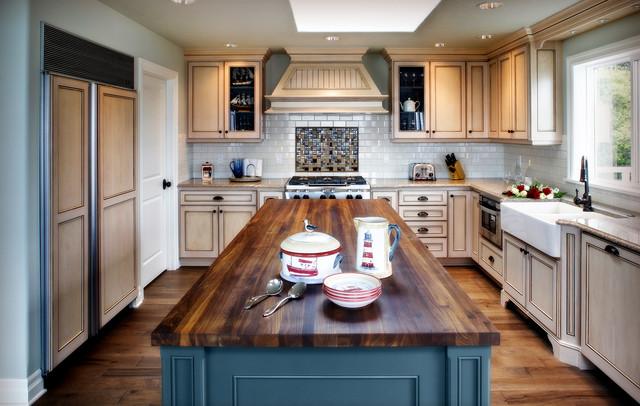 Inspiration For A Mid Sized Beach Style U Shaped Medium Tone Wood Floor Enclosed