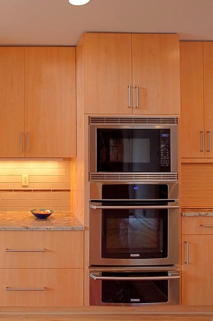Sheila's kitchen contemporary-kitchen
