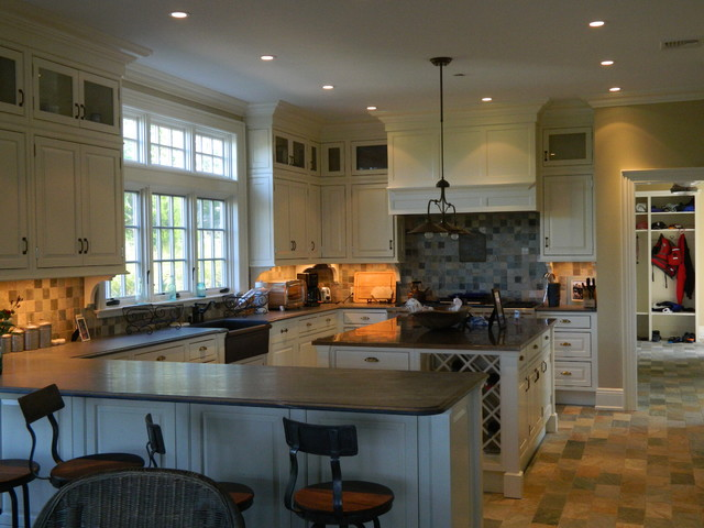 Shelter Island, NY traditional-kitchen
