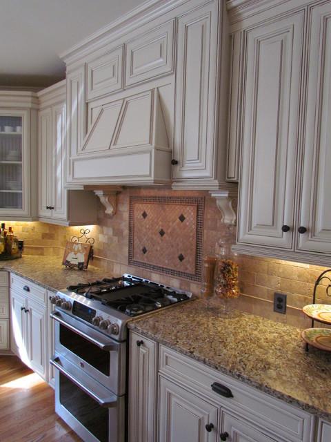 Shenandoah McKinley Maple Hazelnut   Hironimus Traditional Kitchen
