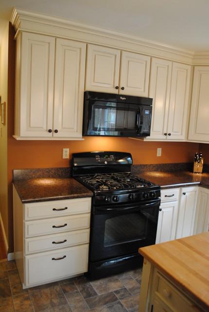 Shenandoah - Winchester Hazelnut Glaze - Traditional - Kitchen - philadelphia - by Lowe's of ...