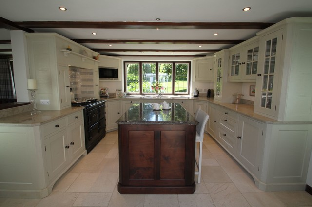 Shere guildford country house kitchen country for Kitchen ideas guildford