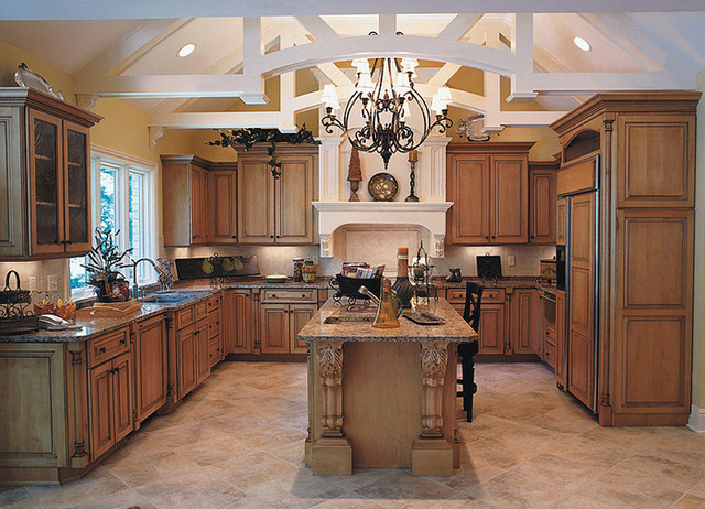 Shiloh Cabinetry - Traditional - Kitchen - indianapolis - by Great Kitchens & Baths