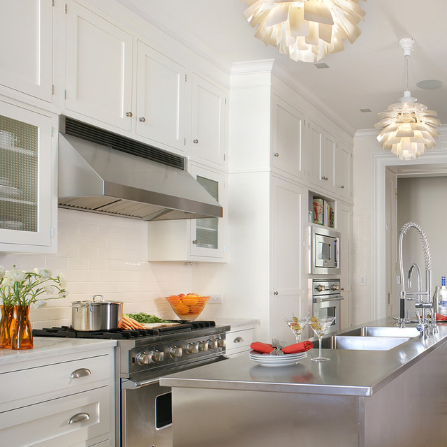 Shimmering Simplicity traditional-kitchen