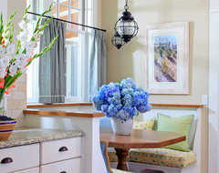 Shingle style cottage breakfast nook traditional-kitchen