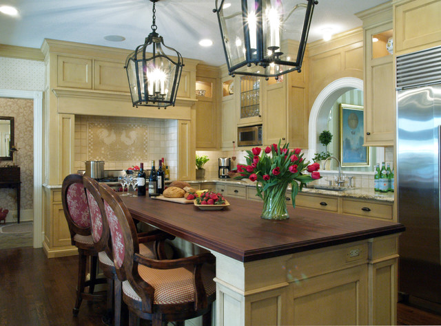 Shingle Style Victorian traditional kitchen