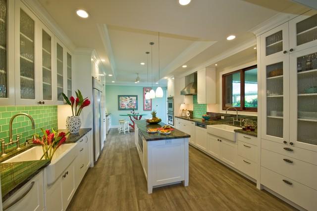Shorebreak tropical kitchen hawaii by archipelago for Archipelago hawaii luxury home designs