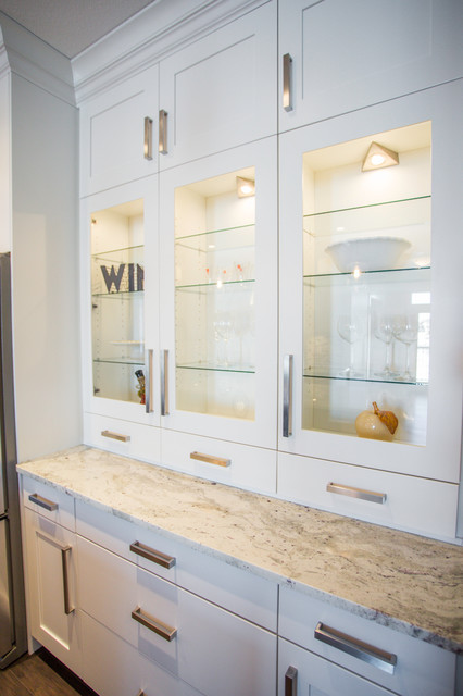 Show home regina contemporary kitchen other metro for Kitchen cabinets regina