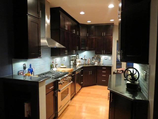 Showcase modern-kitchen