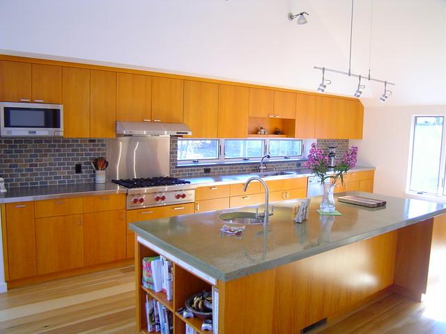 Showcase island contemporary-kitchen