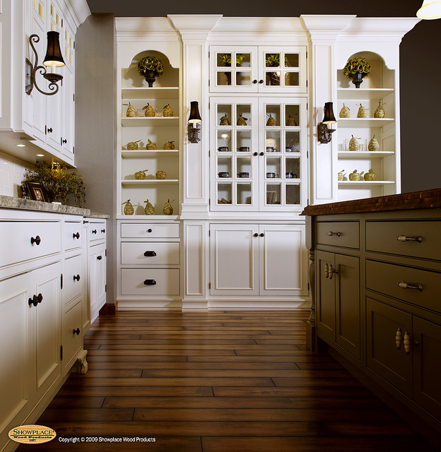Green Kitchen Walls With Maple Cabinets: By Showplace Wood Products