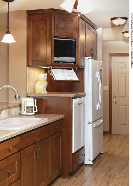 Showplace Cabinets - Kitchen