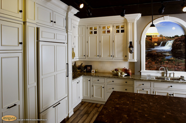 Showplace Lifestyle Cabinet Gallery Sioux Falls Sd American Traditional Kitchen Other By Showplace Cabinetry Design Center
