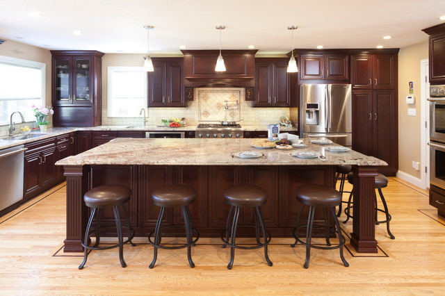 Inspiration For A Large Timeless L Shaped Medium Tone Wood Floor Kitchen Remodel In San