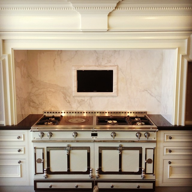 Showroom - Traditional - Kitchen - other metro - by Clive Christian Naples
