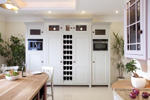 Showroom traditional-kitchen