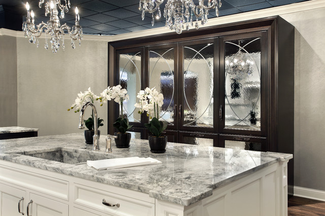 Showroom traditional-kitchen