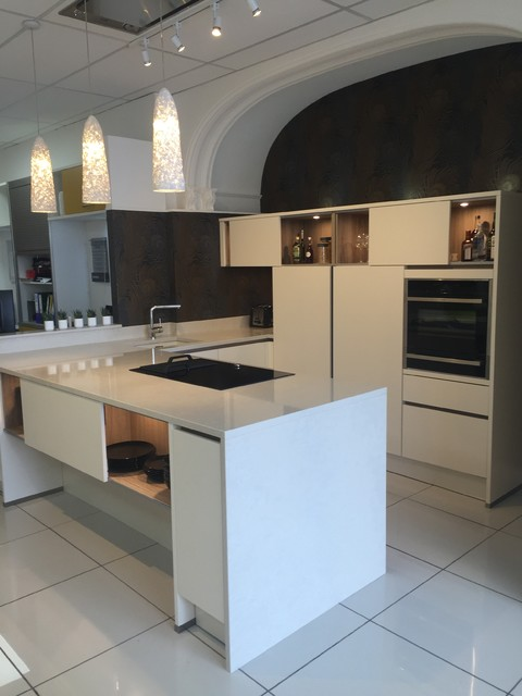 Showroom Kitchen Display Sets Contemporary Kitchen Other By In Toto Kitchens Bristol