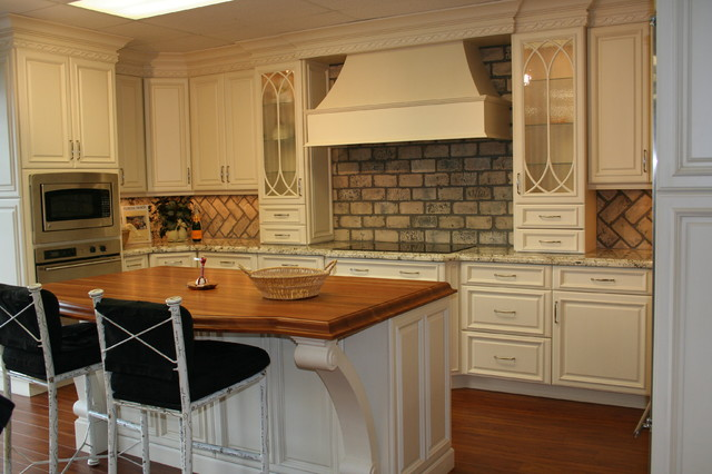 Showroom Photos traditional-kitchen