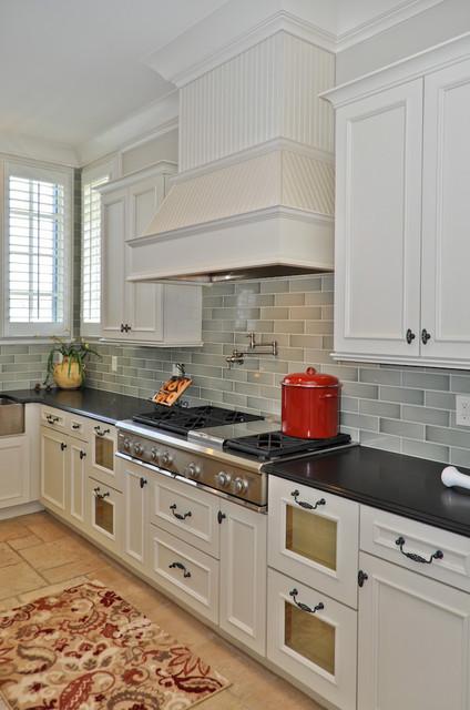Signature Homes Kitchen at Grand Avenue in Ross Bridge kitchen