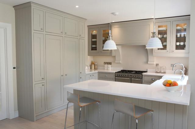 Silestone topped painted shaker modern kitchen for Modern shaker kitchen