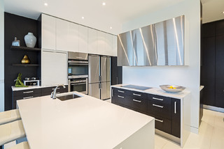 Simcoe Street Niagara On The Lake Modern Kitchen Toronto By Kenmore Developments Inc
