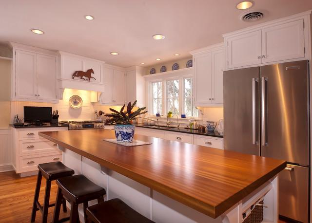 Simple White Kitchen Traditional Kitchen Chicago By Ddk Kitchen Design Group