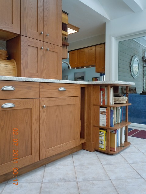 Simplicity of Oak traditional-kitchen