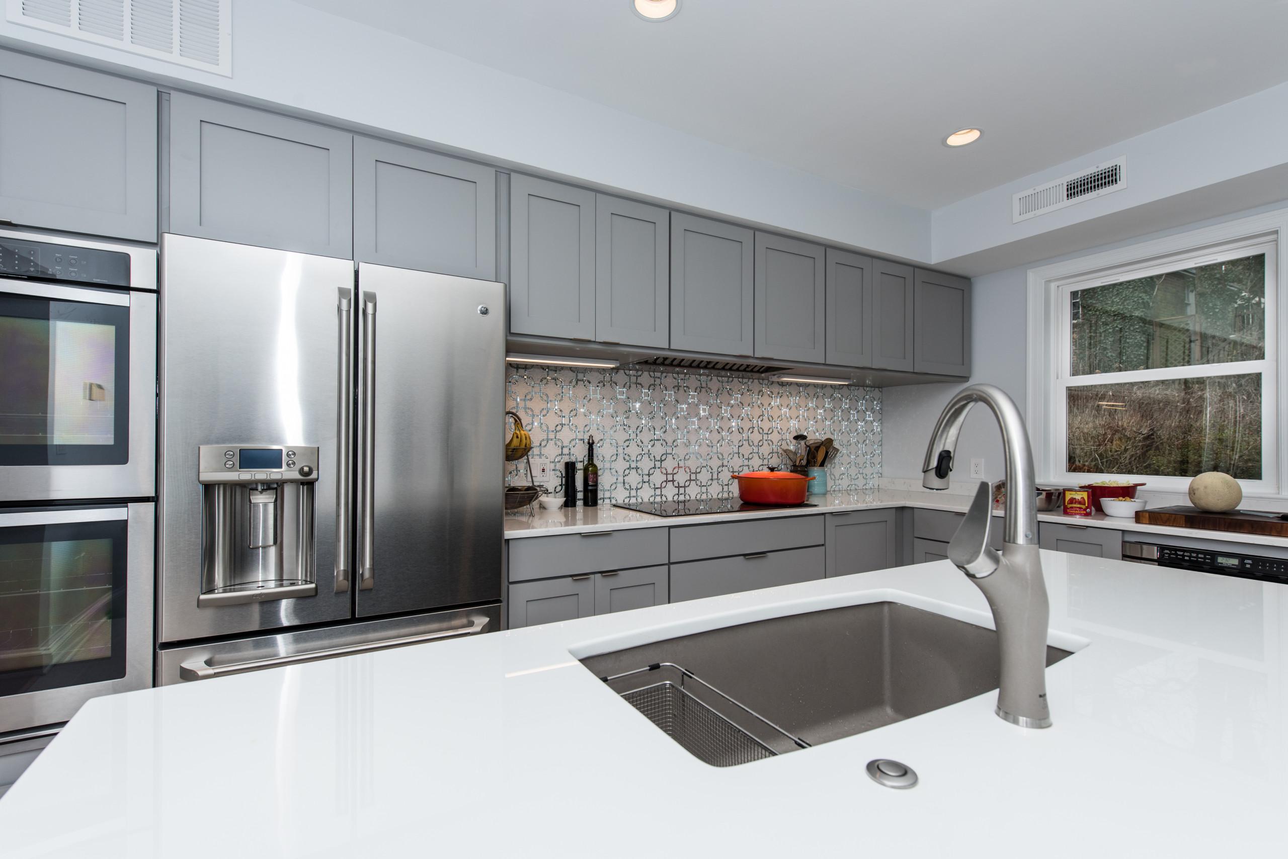 Simply Gorgeous Modern Kitchen Design