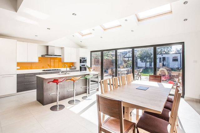 Single-storey Kitchen Extension in Twickenham by L&E (Lofts and ...