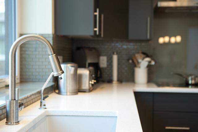 Sink contemporary-kitchen