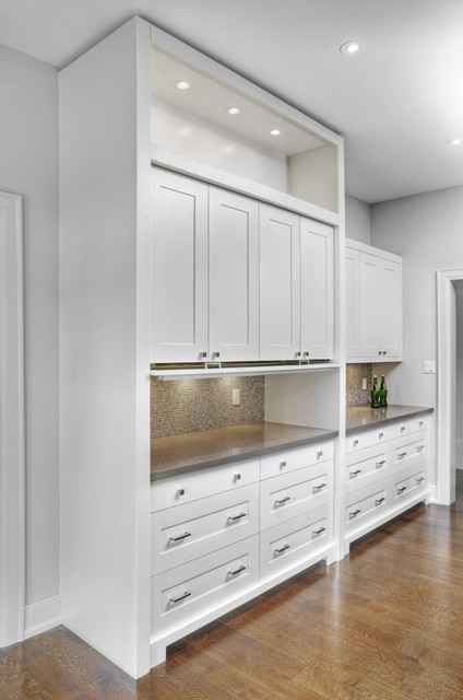 Sleek Home in Oakville (1206) - Contemporary - Kitchen - Toronto - by Braam's Custom Cabinets