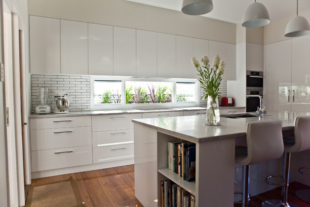 Sleek streamlined elegance modern kitchen other for Sleek modern kitchen cabinets