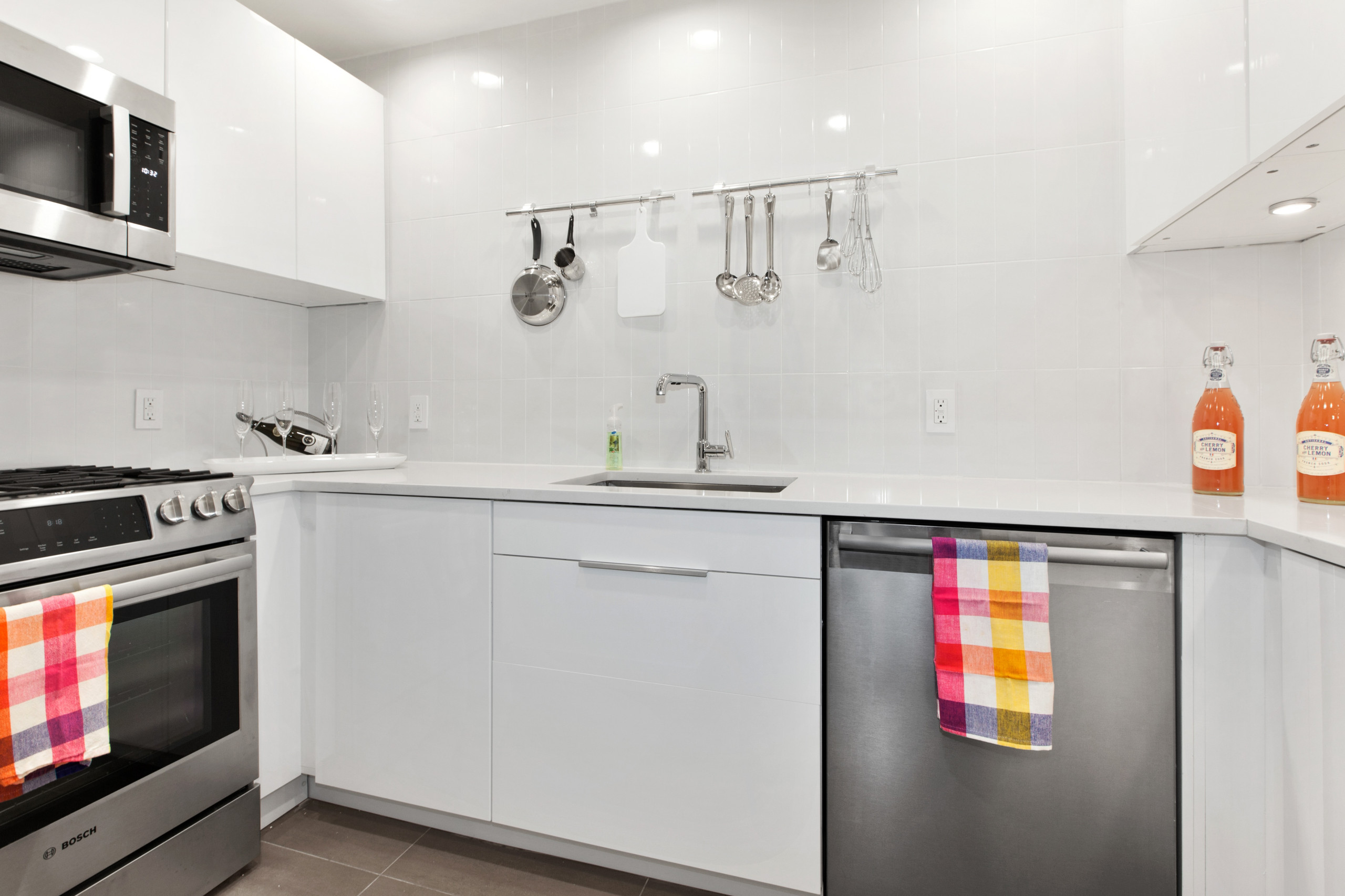 Small and Efficient New York Kitchen