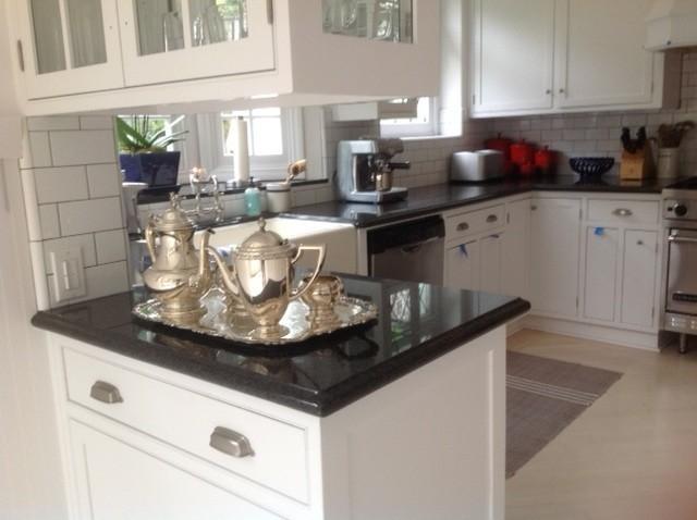 Small perfect kitchen traditional kitchen los for Perfect interior designs inc