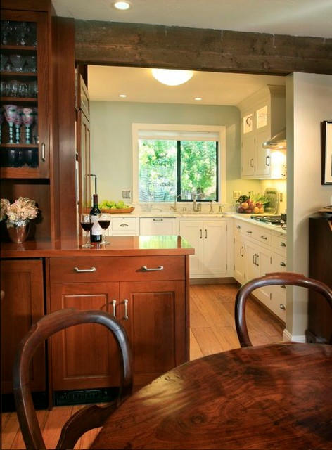 Small but oh, so sweet traditional-kitchen