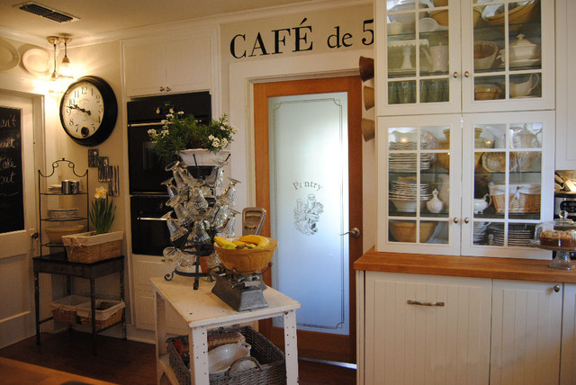 Small Cottage Kitchen Makeover - Eclectic - Kitchen - dallas