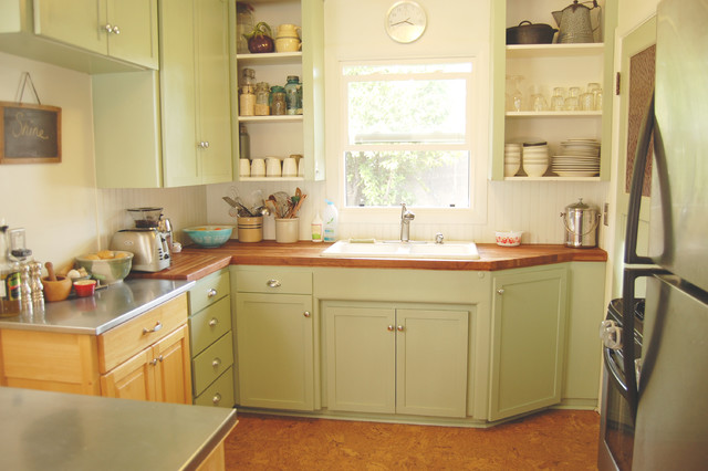 Small kitchen big life eclectic kitchen portland for Houzz small kitchens