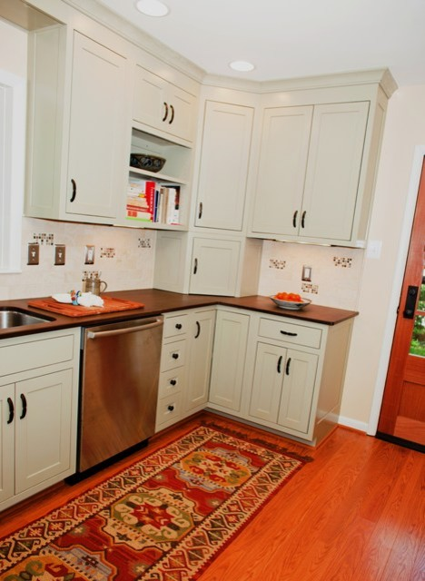 Small Kitchen Boasts Function With Design Details Traditional Kitchen