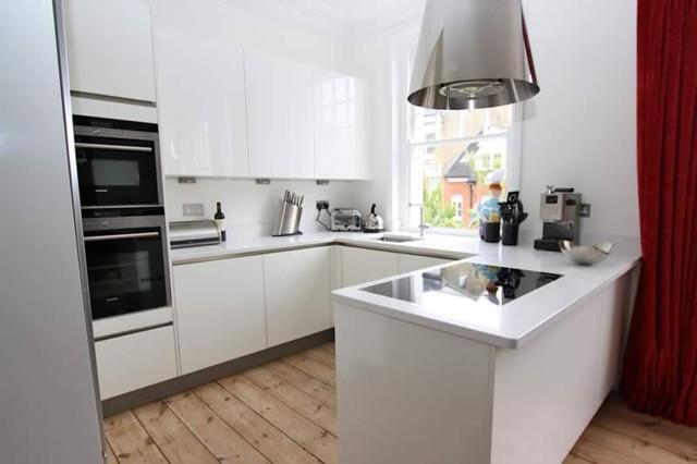 Small kitchen by lwk kitchens london modern kitchen for Kitchen design london