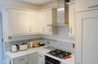 Small kitchen fresh new look classique chic cuisine for Bathrooms u like stevenage