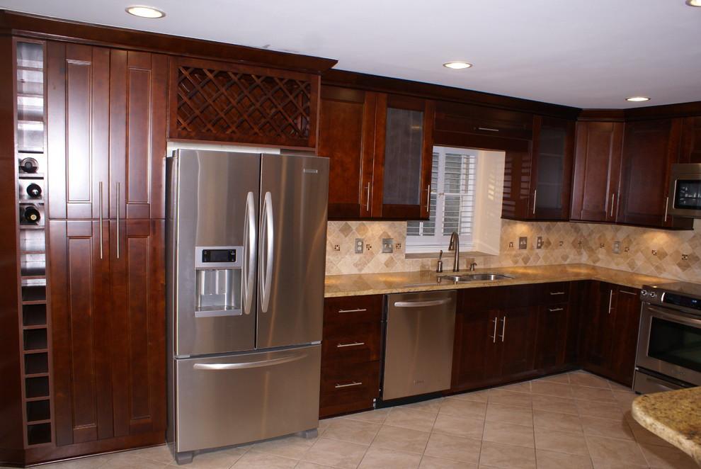 Minimalist kitchen photo in Atlanta