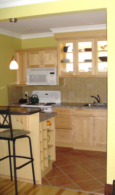 Small kitchen traditional kitchen london by for Traditional kitchen meaning