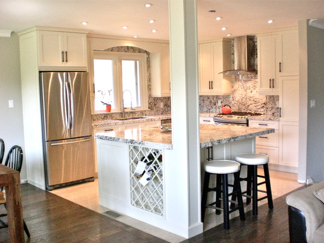 Small kitchen renovation traditional kitchen toronto for Kitchen reno design