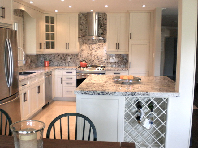 Small Kitchen Renovation - Traditional - Kitchen - toronto