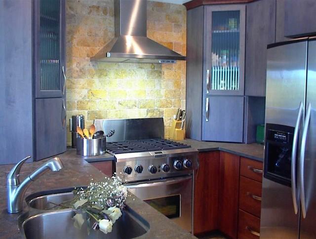 Small Kitchen traditional-kitchen
