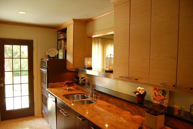 Small ranch galley kitchen modern kitchen dallas for Ranch galley kitchen remodel