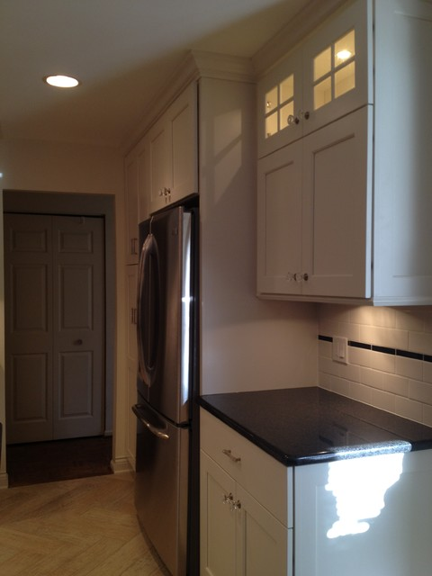 Small U-shaped White, Custom, Painted Kitchen in Skokie, IL traditional-kitchen