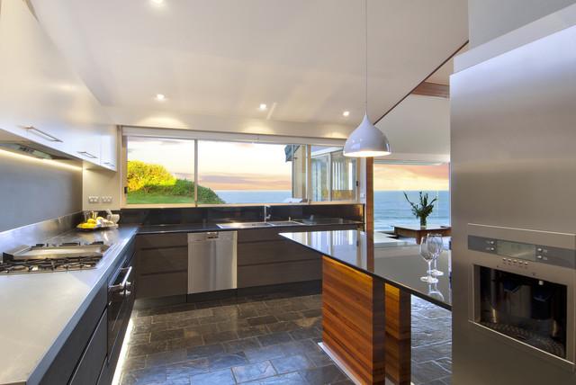 SMB interior Design contemporary-kitchen