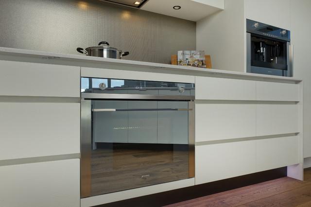 Smeg appliances modern kitchen dallas by elite for Smeg küchen